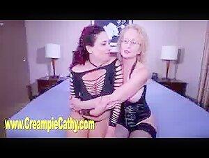 Elizabeth Starr dressed for sex