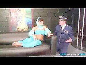 Bossy Cougar Lisa Ann drills a lengthy stiffy