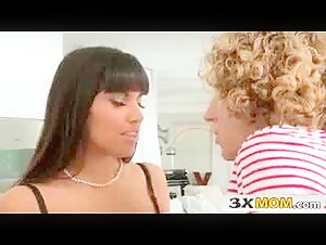 Brazzers - Veronica Avluv helps her paitent with his problem