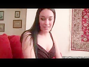 MATURE Chick Boinks Youthful Man ON Couch !!