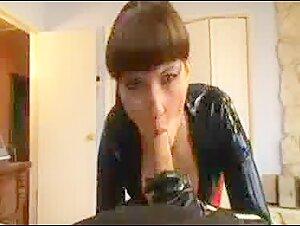 Scorching Cougar Emma Starlet