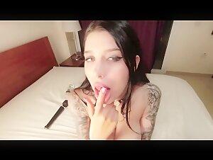 Blondie Cougar railing ebony jizz-shotgun rock hard