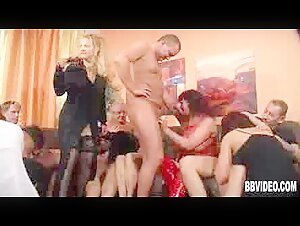 Casting couch -  casting mom blondie