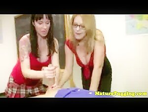 Foot fetish with gorgeous mom
