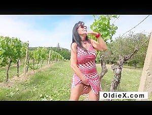 Horny japanese mom ruri likes playing
